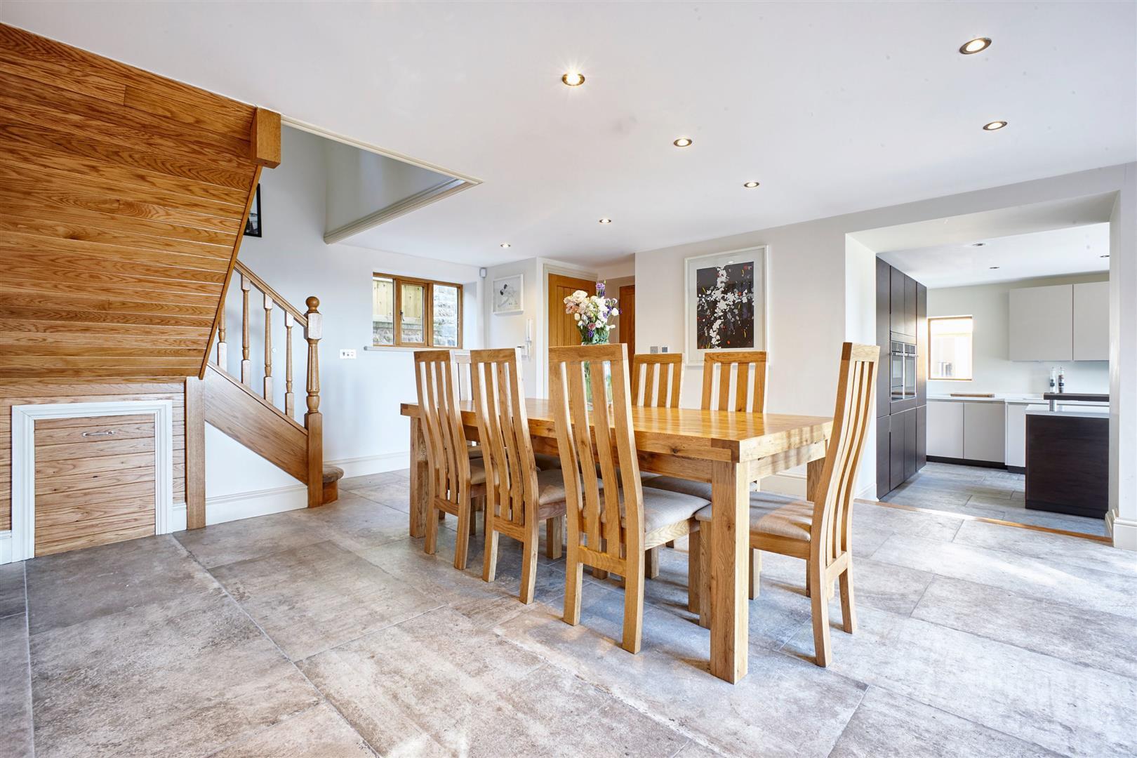 4 Bedroom Detached House For Sale - Farmhouse 8